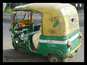 Típico motorickshaw en Kolkata.